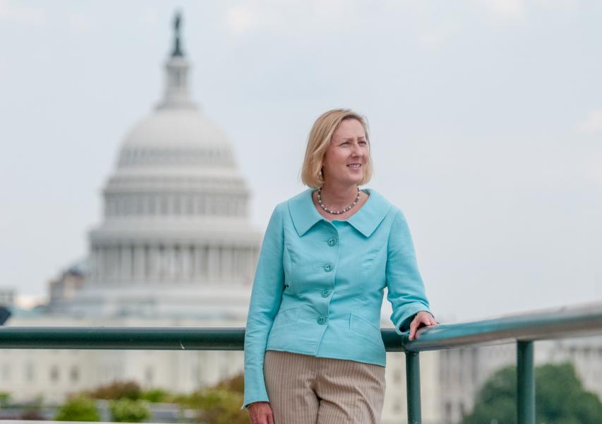 Portrait-Woman-Business-Washington-DC-Photographer-Liz-Roll