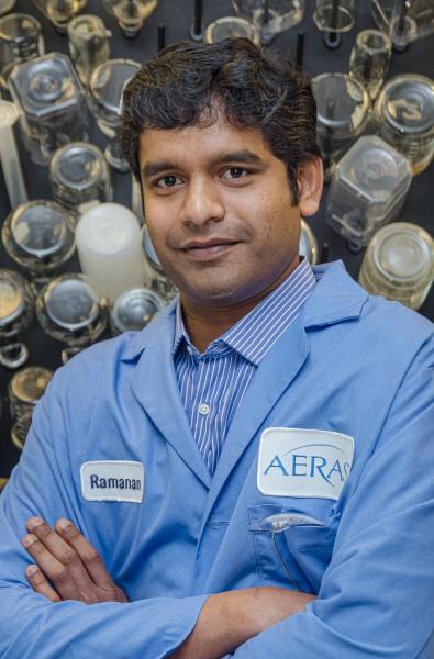 AERAS-Portrait-Lab-tech-Washington-DC-Photographer-Liz-Roll